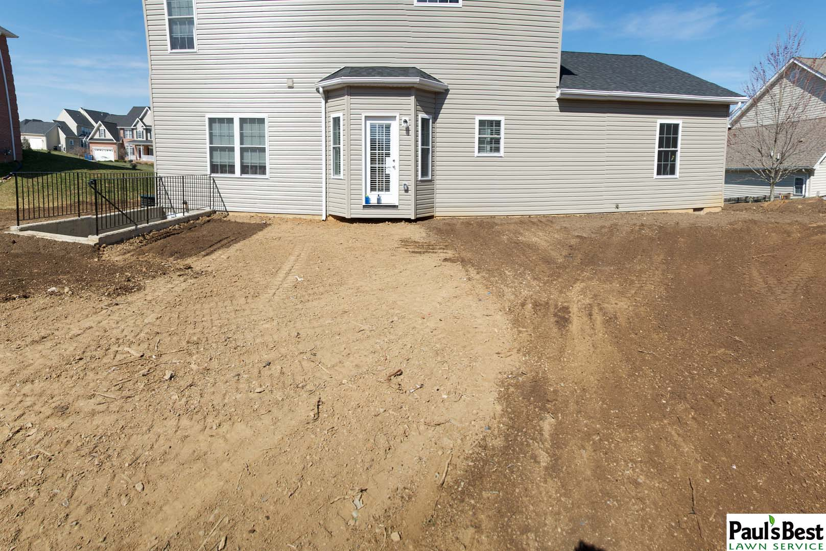 https://paulsbestlawn.com/pbls-img/portfolio/lawn-mowing-lawn-fertilization-and-treatment/before-and-after/web-ready/large/BALM1-d-New-Construction-After-Turf-Care-Vienna-VA.jpg