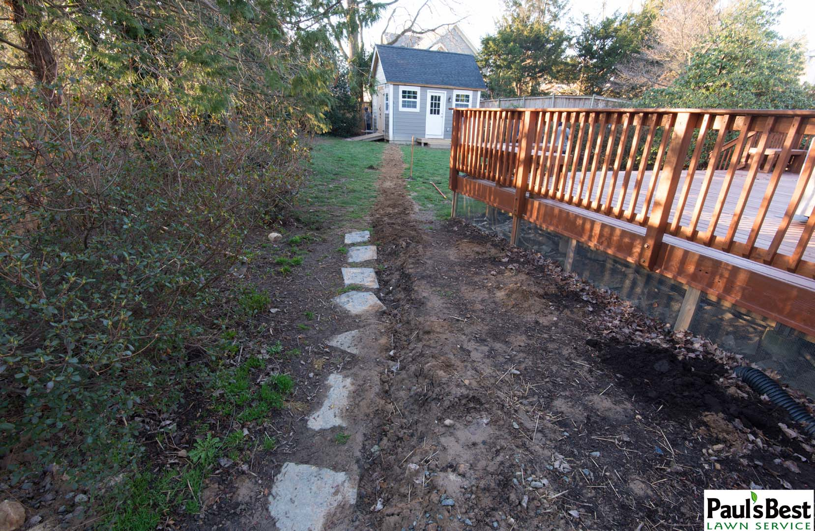 https://paulsbestlawn.com/pbls-img/portfolio/other-services/before-and-after/web-ready/large/BAOS1-b-After-Sod-and-Mulching-in-Arlington-VA.jpg