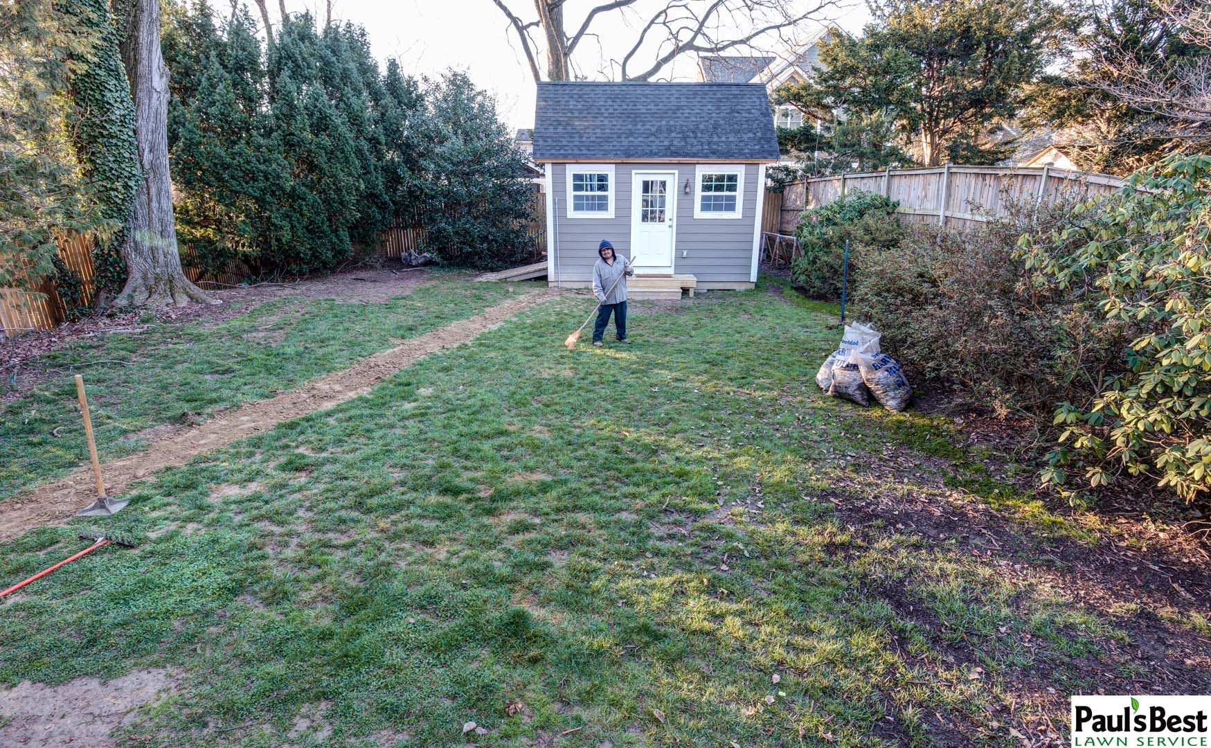 https://paulsbestlawn.com/pbls-img/portfolio/other-services/before-and-after/web-ready/large/BAOS1-h-After-Sod-and-Mulching-in-Arlington-VA.jpg